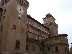 春の優雅なイタリア中部・サンマリノ巡り旅♪ Vol17(第2日目午後) ☆フェッラーラ:世界遺産「Castello Estense」(エステンセ城)を観賞♪