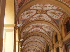 春の優雅なイタリア中部・サンマリノ巡り旅♪ Vol25(第3日目午後) ☆ボローニャ:ボローニャの美しいポルティコ♪エルメスのショッピングを楽しむ♪