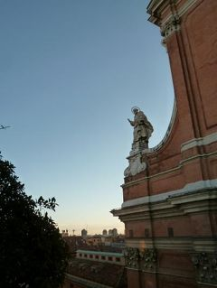 春の優雅なイタリア中部・サンマリノ巡り旅♪ Vol27(第4日目朝) ☆ボローニャ:「Grand Hotel Majestic gia Baglioni」のジュニアスイートルームから晴れ渡った朝のボローニャを眺めて♪