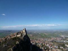 春の優雅なイタリア中部・サンマリノ巡り旅♪ Vol35(第4日目午後) ☆サンマリノ:「La Cesta」(チェスタ塔)から素晴らしい絶景♪ロッカ・グアイタと旧市街を見渡せる♪