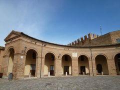 春の優雅なイタリア中部・サンマリノ巡り旅♪ Vol41(第5日目午前) ☆モンダイーノ(Mondaino):劇場のようなお城を持った小さな村モンダイーノ♪