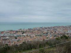 春の優雅なイタリア中部・サンマリノ巡り旅♪ Vol49(第5日目午後) ☆ペーサロ(Pesaro):世界遺産ウルビーノからペーサロを経てグラダーラへ♪