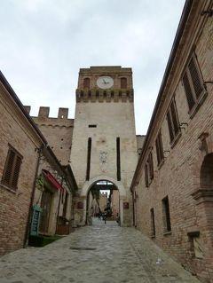 春の優雅なイタリア中部・サンマリノ巡り旅♪ Vol50(第5日目午後) ☆グラダーラ(Gradara):城壁に囲まれた完璧な中世村グラダーラ♪
