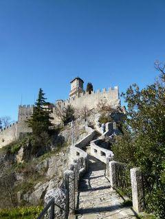 春の優雅なイタリア中部・サンマリノ巡り旅♪ Vol62(第6日目午後) ☆サンマリノ:シンボルの要塞「Rocca Guaita」と「La Cesta」と絶景を眺めて♪