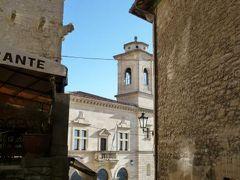 春の優雅なイタリア中部・サンマリノ巡り旅♪ Vol63(第6日目午後) ☆サンマリノ:旧市街の散策と大聖堂の見学♪