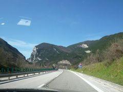 春の優雅なイタリア中部・サンマリノ巡り旅♪ Vol70(第7日目午前) ☆サンマリノ~ペルージャ:素晴らしい景色の中、ペルージャへGO!