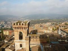 春の優雅なイタリア中部・サンマリノ巡り旅♪ Vol81(第8日目朝) ☆ペルージャ:「Hotel Brufani Palace」の朝食♪ジュニアスイートルームから朝のペルージャを眺めて♪