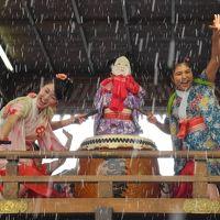 跳ね! 飛び! 舞い!  浮いて 笑って 夢のような 福井勝山「左義長祭り」