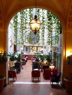 春の優雅なイタリア中部・サンマリノ巡り旅♪ Vol95(第9日目朝) ☆シエナ:「Grand Hotel Continental」ジュニアスイートルームから朝のシエナを眺めて♪朝食は優雅な雰囲気の中で頂く
