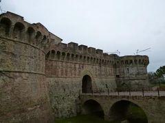 春の優雅なイタリア中部・サンマリノ巡り旅♪ Vol103(第9日目午後) ☆コッレ・ディ・ヴァル・デルザ(Colle di Val D'elsa):城壁に囲まれた旧市街から要塞や城門へ優雅に散策♪