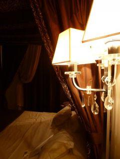 春の優雅なイタリア中部・サンマリノ巡り旅♪ Vol117(第10日目夜) ☆フィレンツェ:夜の美しい「Villa La Vedetta」のジュニアスイートルーム♪