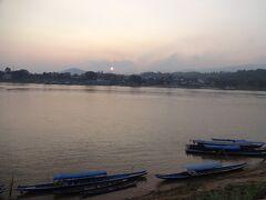初めてのビジネスクラス~タイ北部・国境越えまくりの旅 3(チェンライ~チェンコーン~フエサイ)