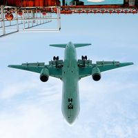 宮古島 紺碧の空に Touch & Goー (飛行機の発着訓練) んみゃ~ち美ぎ島(かぎすま)