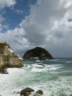 初夏の優雅なバカンス ナポリのイスキア島♪ Vol7(第2日目夕) ☆イスキア島サンタンジェロ:白波が立つサンタンジェロの美しい景色と散策♪