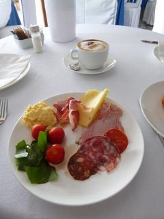 初夏の優雅なバカンス ナポリのイスキア島♪ Vol10(第3日目朝) ☆イスキア島サンタンジェロ:「Hotel Miramare Sea Resort」の朝食♪