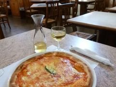 初夏の優雅なバカンス ナポリのイスキア島♪ Vol27(第4日目昼) ☆イスキア島フォリオ:ランチは絶品のピザを頂く♪そして優雅にショッピング♪