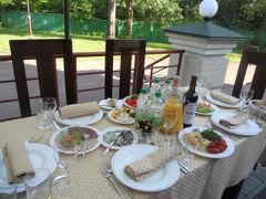 キエフ郊外北東のリゾート地にて会食