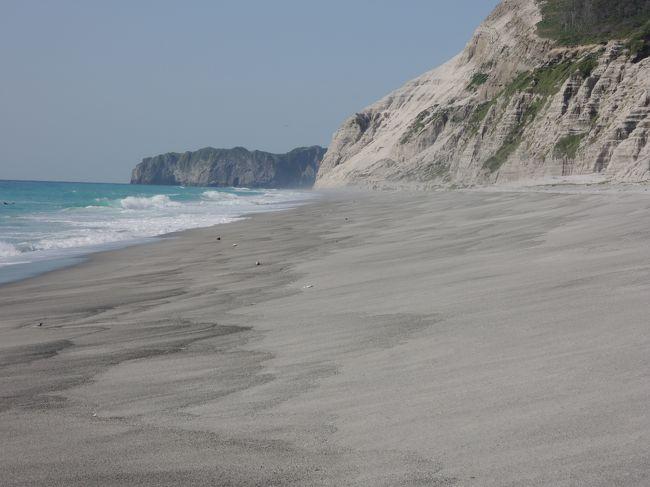 大好きな夏・・・<br />待てないよ〜<br />そうだ新島行こう・・・<br />GW行ったじゃん!<br />我が家には、運動不足解消に・・・とか訳の分からない言い訳をして<br />大好きな新島へ再び。<br />