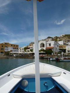 初夏の優雅なバカンス ナポリのイスキア島♪ Vol38(第6日目午後) ☆イスキア島サンタンジェロ:ソルジェートから小舟でサンタンジェロへ帰る♪