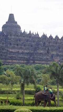 PARIWISATA JOGJA(18)ジョグジャカルタへ戻る前にパオン寺院とムンドゥ寺院から史跡公園をホテルのタクシーで巡る。