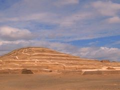 64歳の母との旅 Prologue-ナスカの大地にピラミッドを見た