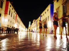 Romeンティック街歩きとアドリアンブルーの世界で紅に輝く街・ドブロヴニクひとり旅<7>~Midnight Town 夜も眠らない街 ドブロヴニク編~