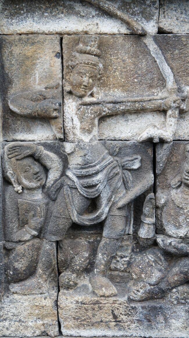 PARIWISATA JOGJA(16)ボロブドゥール遺跡のレリーフの見学は本生譚と譬喩物語へと続く。