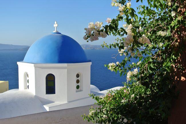 1週間の休暇を取得してギリシャのサントリーニ島へ行きました。<br />ギリシャの夏はとても気候が良くて過ごしやすい!<br />(サントリーニ島の夏は日本の秋のような感じ、アテネは暑いけどカラッとしていた)<br />日本人を含めアジア系の観光客が少なく、治安も良かったのでオススメです。<br /><br />美しく洗練された街並み、きれいな海、景色、何もしない贅沢な時間、、、<br /><br />昨年過ごしたタヒチのような南国リゾートとはまた違い、<br />上品で洗練された大人な雰囲気のリゾートを楽しみました。<br /><br />1日目、日本出国<br />2日目、イスタンブール、アテネを経由してサントリーニ島へ。<br />    エスペラスというホテルに宿泊<br />3日目、サントリーニ島のビーチ巡り<br />4日目、ホテルのプールでのんびり<br />5日目、アテネへ移動、買い物<br />6日目、アクロポリス散策、買い物、出国<br />7日目、日本帰国