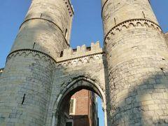 優雅な夏バカンス イタリア・東リビエラの旅♪ Vol4(第2日目午前) ☆ジェノバ:朝の城壁と城門「Porta Soprana」・フェッラーリ広場・コルベット広場♪
