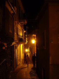 優雅な夏バカンス イタリア・東リビエラの旅♪ Vol33(第3日目夜) ☆テッラロ(Tellaro):美しい漁村テッラロの幻想的な夜景の中を優雅に歩く♪