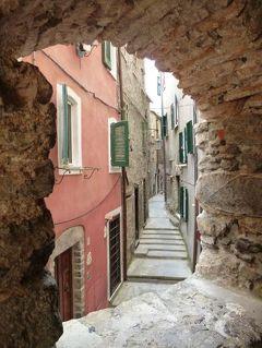優雅な夏バカンス イタリア・東リビエラの旅♪ Vol35(第4日目午前) ☆テッラロ(Tellaro):美しい漁村テッラロの散歩と優雅にショッピング♪