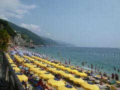 優雅な夏バカンス イタリア・東リビエラの旅♪ Vol58(第5日目午後) ☆マナローラ~モンテロッソ:列車でモンテロッソへ帰る♪賑わうビーチを眺めながら「Hotel Porto Roca」へ♪