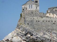 優雅な夏バカンス イタリア・東リビエラの旅♪ Vol64(第6日目午前) ☆ポルトヴェネーレ:船上から素晴らしい絶景♪教会・城・カラフルな建物が美しい♪
