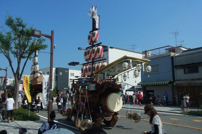 おいしいかき氷を食べに行こう!<br />ということで、三重県桑名市へ行ってきました。<br />桑名といえばはまぐりだね!ということで、お昼ご飯にはまぐり。<br />お土産には、名物のしぐれ煮を買いました。<br />ちょうどその日は桑名のお祭り、石和祭が開催されている週末だったので、なんだか<br />街中も活気にあふれてました。<br />貝好きにはたまらない、はまぐり沢山のランチに、果汁たっぷりのカキ氷、うまみ<br />たっぷりのしぐれ煮と、おいしいもの満載の桑名の旅になりました♪<br /><br />