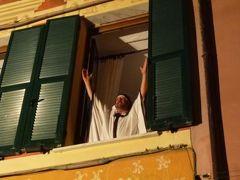 優雅な夏バカンス イタリア・東リビエラの旅♪ Vol97(第8日目夜) ☆モンテロッソ・アル・マーレ:爆笑の屋外芝居を鑑賞♪