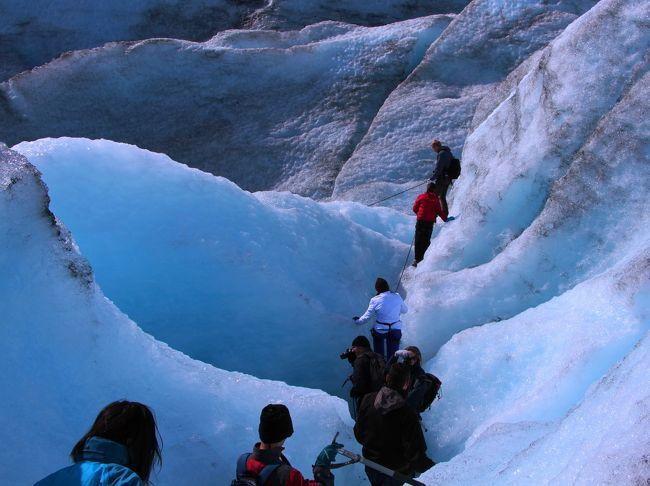 アイス・ブルーに輝く氷河谷トレック☆マンモスが歩きし氷原をお散歩♪Jostedal(ジョステダール/ヨステダール)氷河トレッキング【白夜のFjord 1600kmドライブ〈4〉】