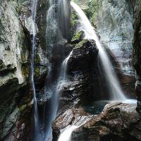 とても不思議な姿の滝でした!『雨竜の滝』◆2013年GW・四国3県(愛媛・高知・徳島)滝めぐりの旅≪その7≫
