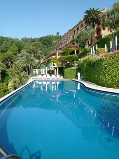 優雅な夏バカンス イタリア・東リビエラの旅♪ Vol152(第13日目午前) ☆ポルトフィーノ:「Hotel Splendido」の眺望の素晴らしいプールで優雅の過ごす♪