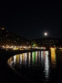 優雅な夏バカンス イタリア・東リビエラの旅♪ Vol163(第13日目夜) ☆カモーリ:幻想的な夜景は美しい♪