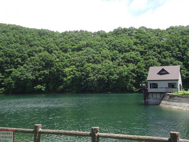 七ヶ宿の長老湖へ行ってきました。長老湖を散策し、横川やまびこ吊り橋を渡ってきました。