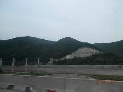 22木曜2日目2午前北京図門長春 延吉空港ー高速道でこん春へ トンネルだらけ