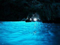 ボンジョルノ!イタリア12日間ツアー 6 カプリ島、青の洞窟