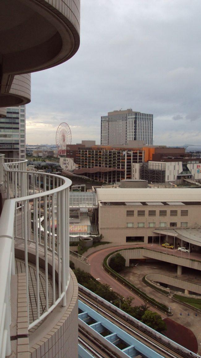 少し間が空いてしまいましたが、今年の6月の日本訪問記の続きです。<br />この時は、お台場のホテル日航東京に滞在し、娘の大学の卒業式にいきました。<br />日航東京は2回目ですが、肩肘のはらない、でもハード面でもソフト面でも素晴らしいホテルだと思います。<br />今回はこのたび泊まったお部屋編です。
