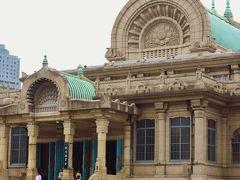 築地本願寺:天竺様式 彼岸法要のとき ☆荘厳な仏壇・パイプオルガンも