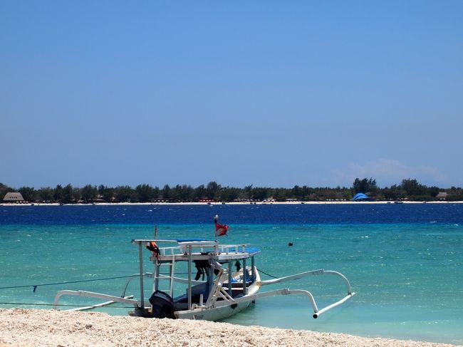 今、建設ラッシュとはいえ、かつてはサンゴが沢山で魚もウジャウジャわんさか泳いでいたとっても綺麗な小島。<br />やはり気になるな〜と、またまた行ってしまったのでした。<br />どうかこのままでいてほしい島である。<br /><br />ゆったりとのんびりと朝食を↓<br />https://www.youtube.com/watch?v=r34wAi1QGY4