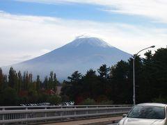 きれいな紅葉と富士山の景色を求めて河口湖へ♪ 初めて行ったリサとガスパールタウンのかわいい街並みも堪能!