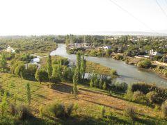 カザフスタンの旅(2)・・タラス川の古戦場跡とアイシャ・ビビ廟を訪ねて