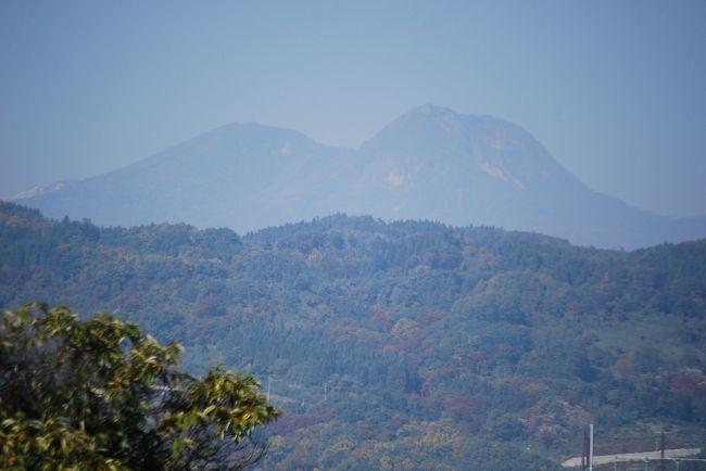 11月6日、上越市の需要家訪問のために富岡より上信越道を通った。 午前11時頃に小布施PAで小休憩をした。 ここからは好天のために久しぶりに北信五岳が見られた。 すなわち、飯縄山、戸隠山、黒姫山、妙高山、斑尾山が見られた。<br /><br /><br /><br />*写真は妙高山