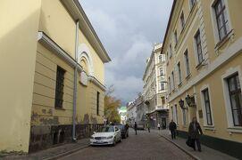 2012秋、バルト三国・東欧旅行記(19)リガ、旧市街、城壁址の出入口、三人兄弟(ラトビア建築博物館)
