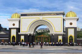 2012暮、マレーシア旅行記2(9)クアラルンプール、市内観光、王宮、国家記念碑